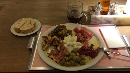 IMG_AAAAA_Abendessen in Luxembourg