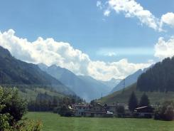 Fahrt über Grießenpass Berge 6